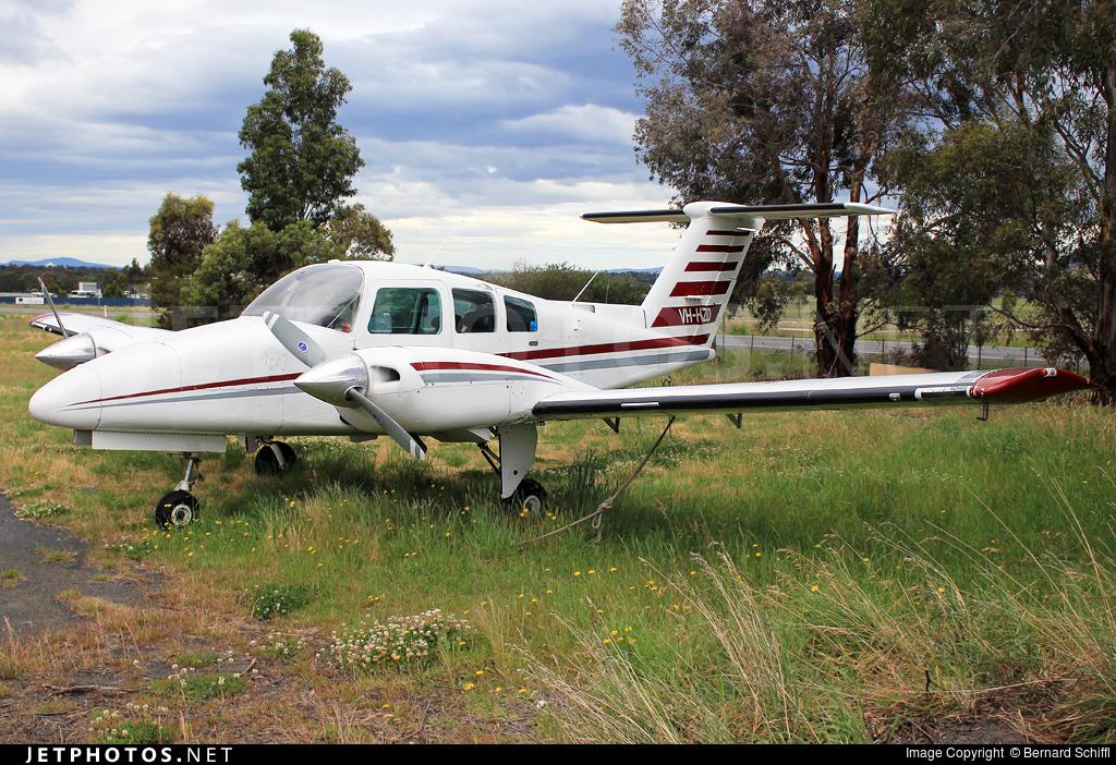 VH-HZD - Beechcraft 76 Duchess - Private