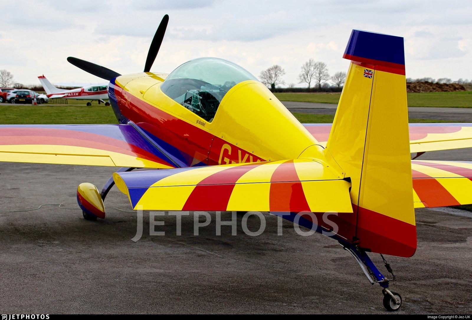 G-XXHP - Extra EA 300L - Private