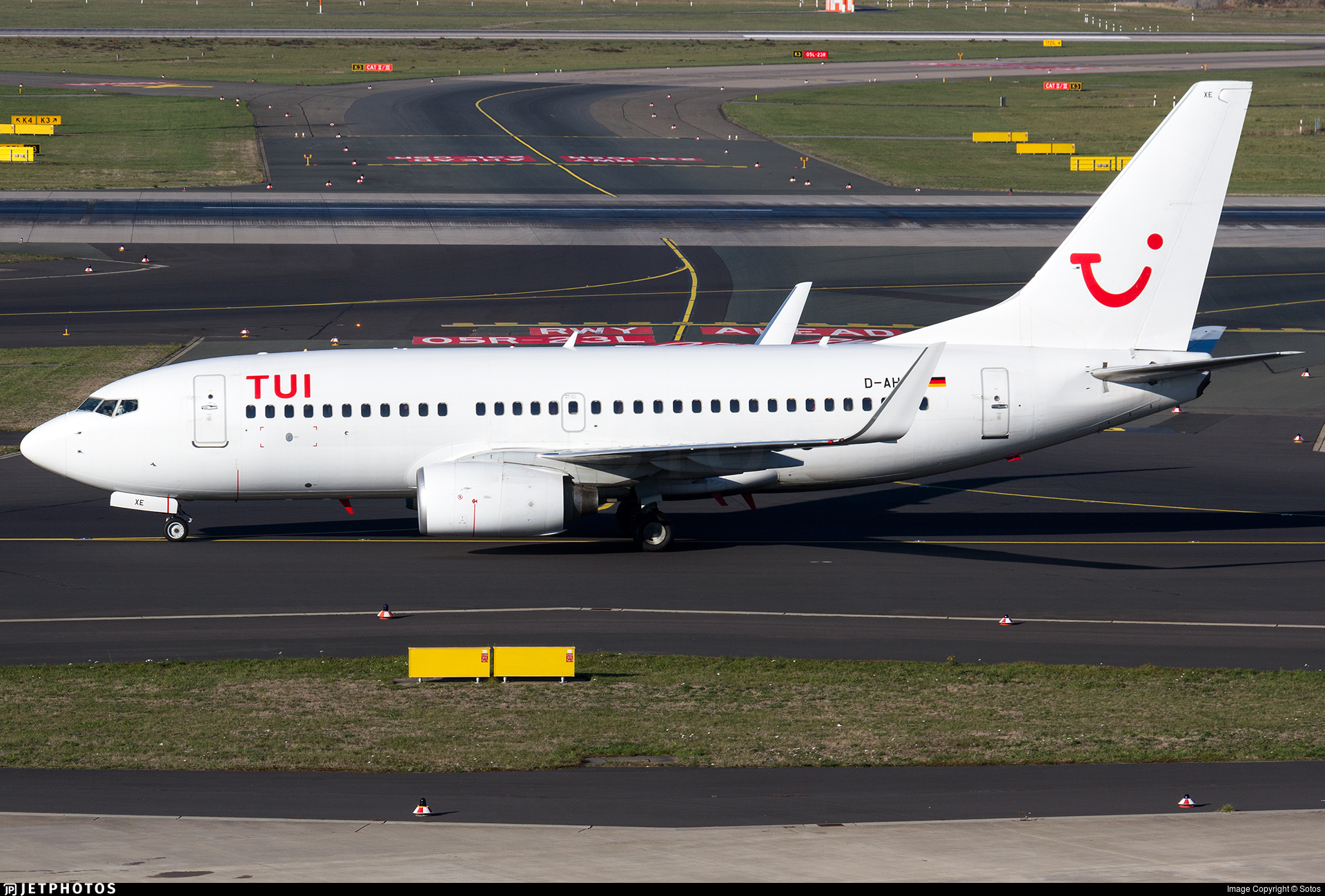 D-AHXE - Boeing 737-7K5 - TUI