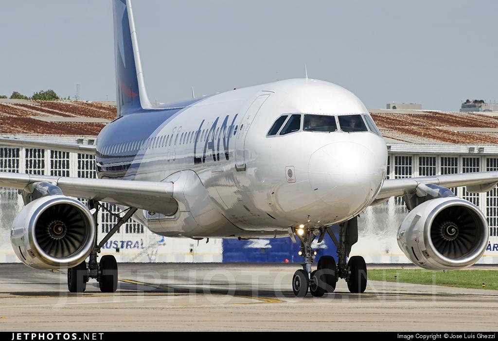 LV-BRY - Airbus A320-233 - LAN Argentina