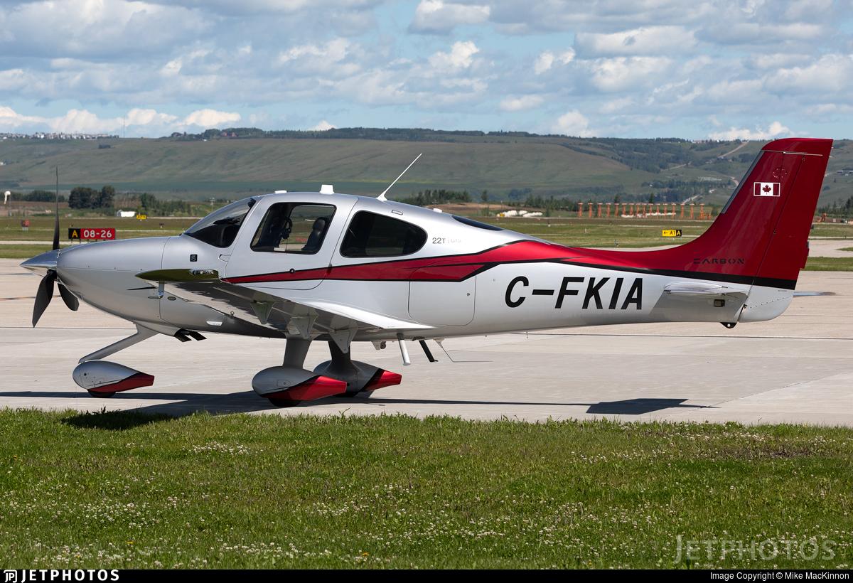C-FKIA - Cirrus SR22T-GTS G5 Carbon - Private