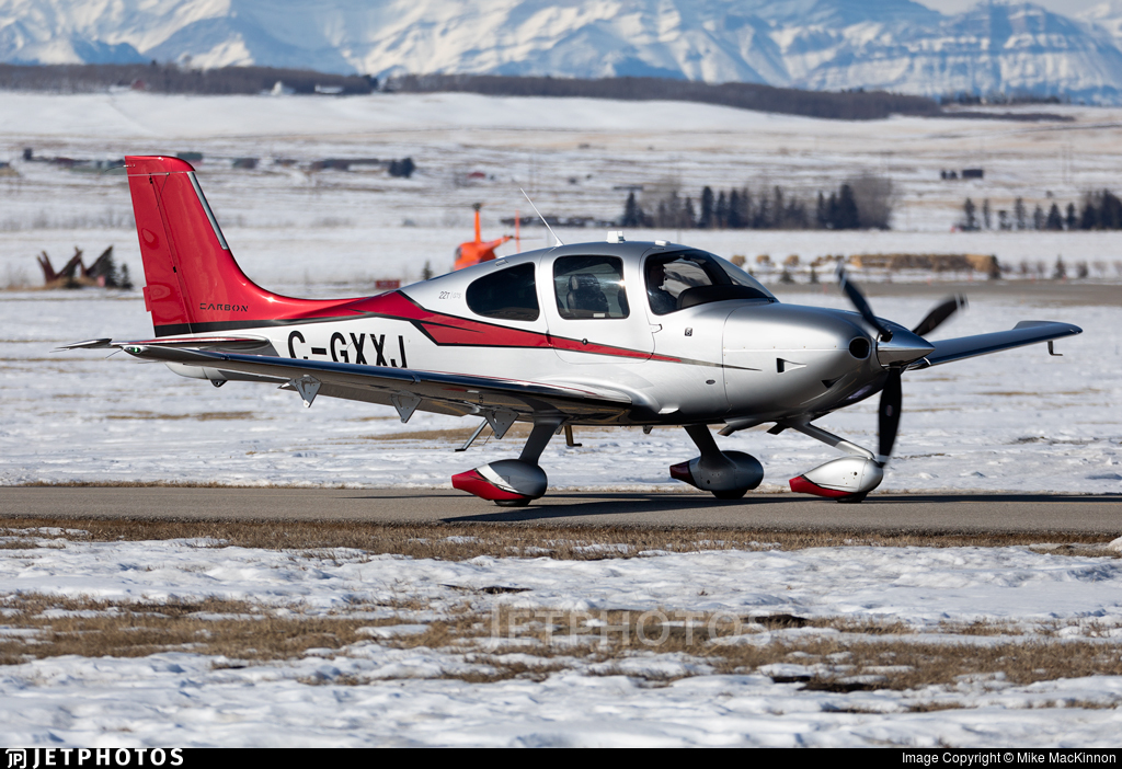 C-GXXJ - Cirrus SR22T-GTS Carbon - Private