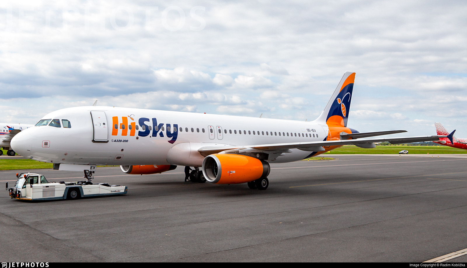 OE-IEV - Airbus A320-232 - HiSky