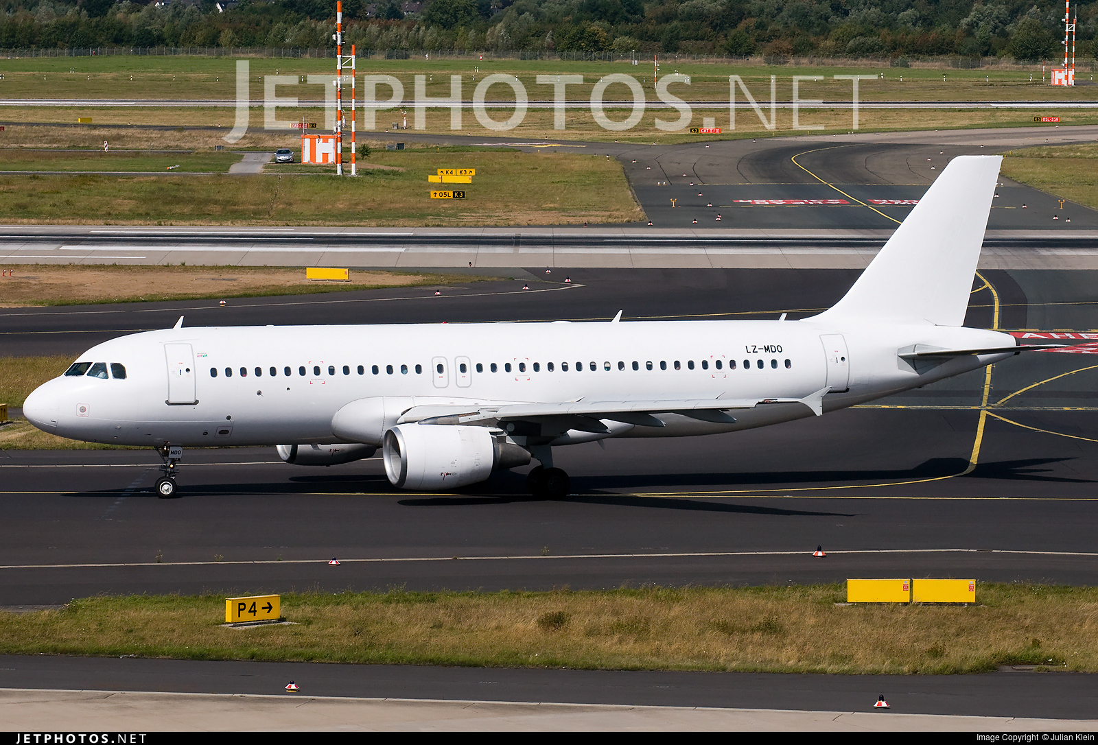 LZ-MDO - Airbus A320-214 - Air Via