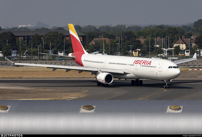 EC-LZX - Airbus A330-302 - Iberia