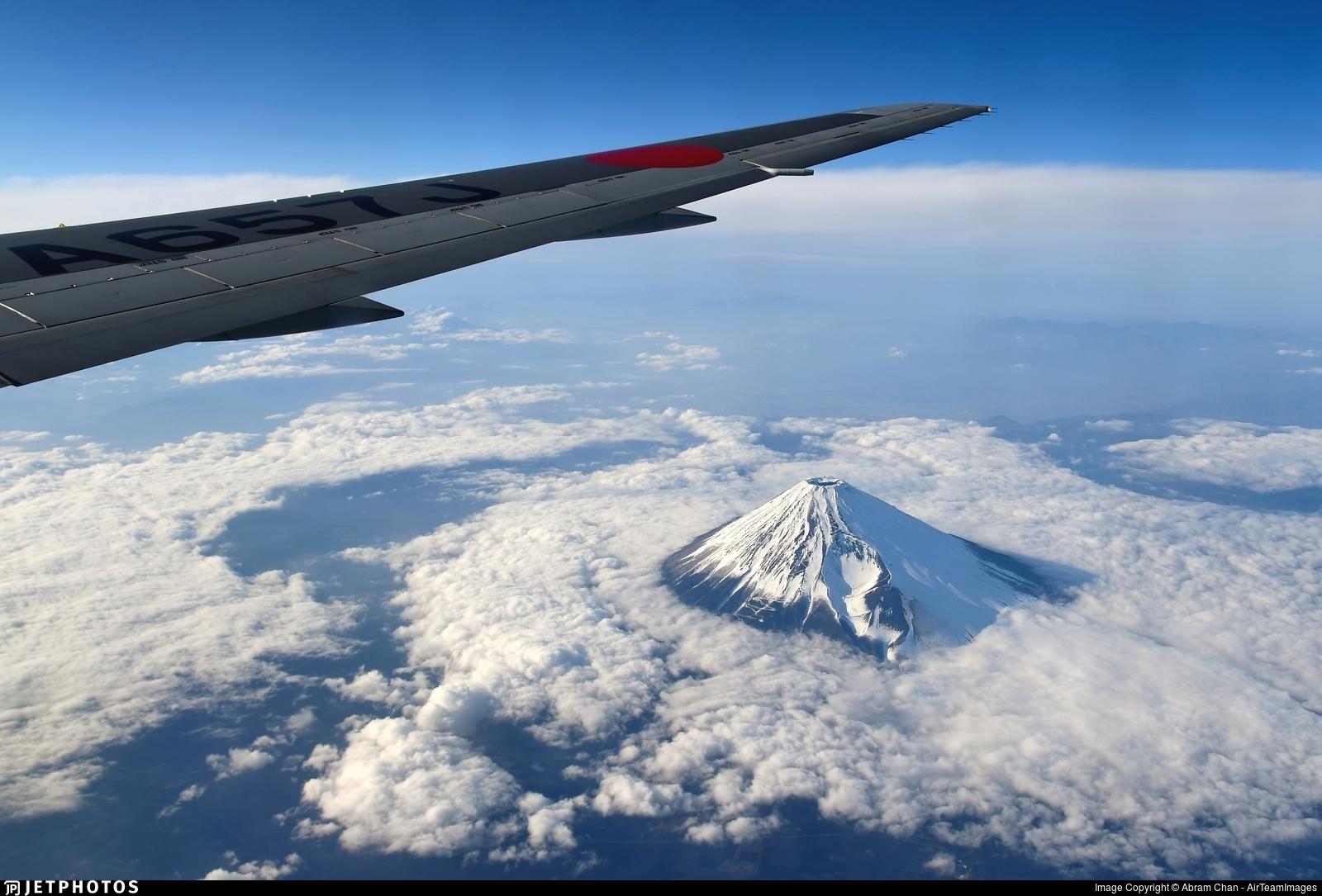 JA657J - Boeing 767-346(ER) - Japan Airlines (JAL)