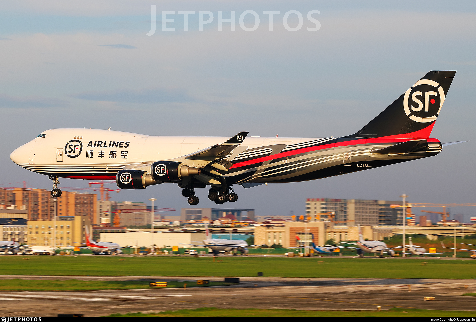B-2422 - Boeing 747-4EVERF - SF Airlines
