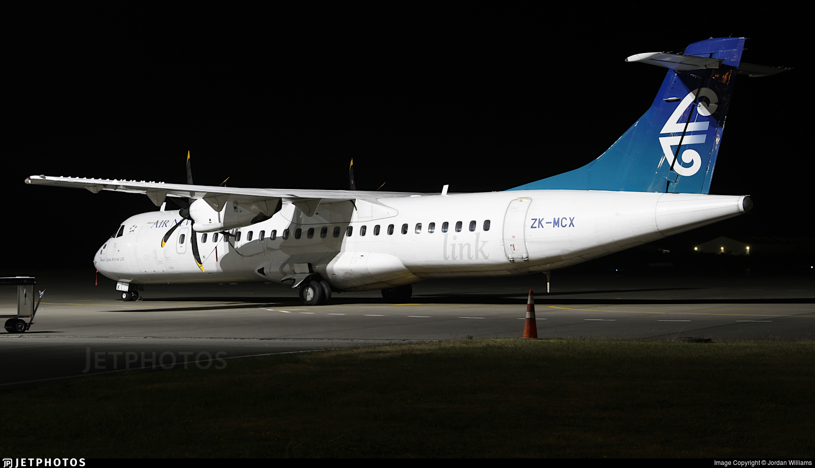 ZK-MCX - ATR 72-212A(500) - Air New Zealand Link (Mount Cook Airline)