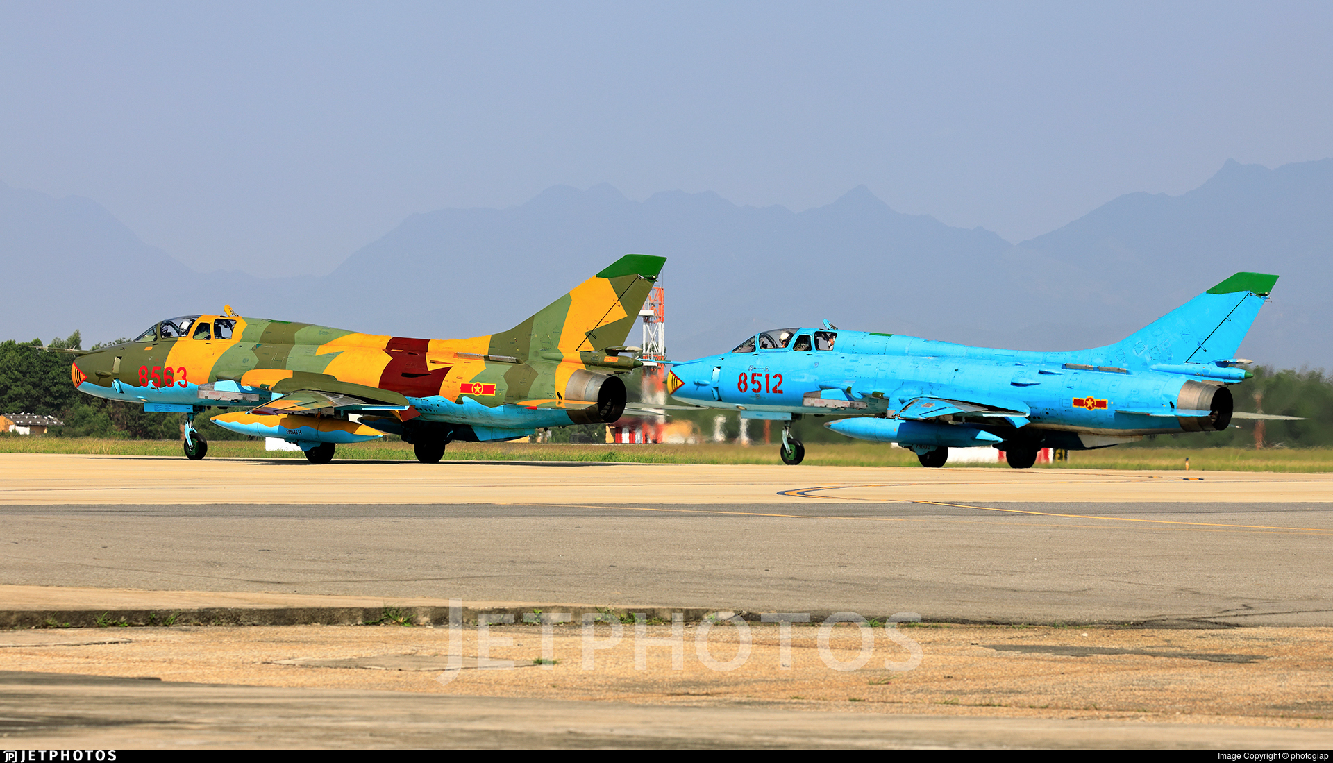 8563 - Sukhoi Su-22UM3K Fitter G - Vietnam - Air Force