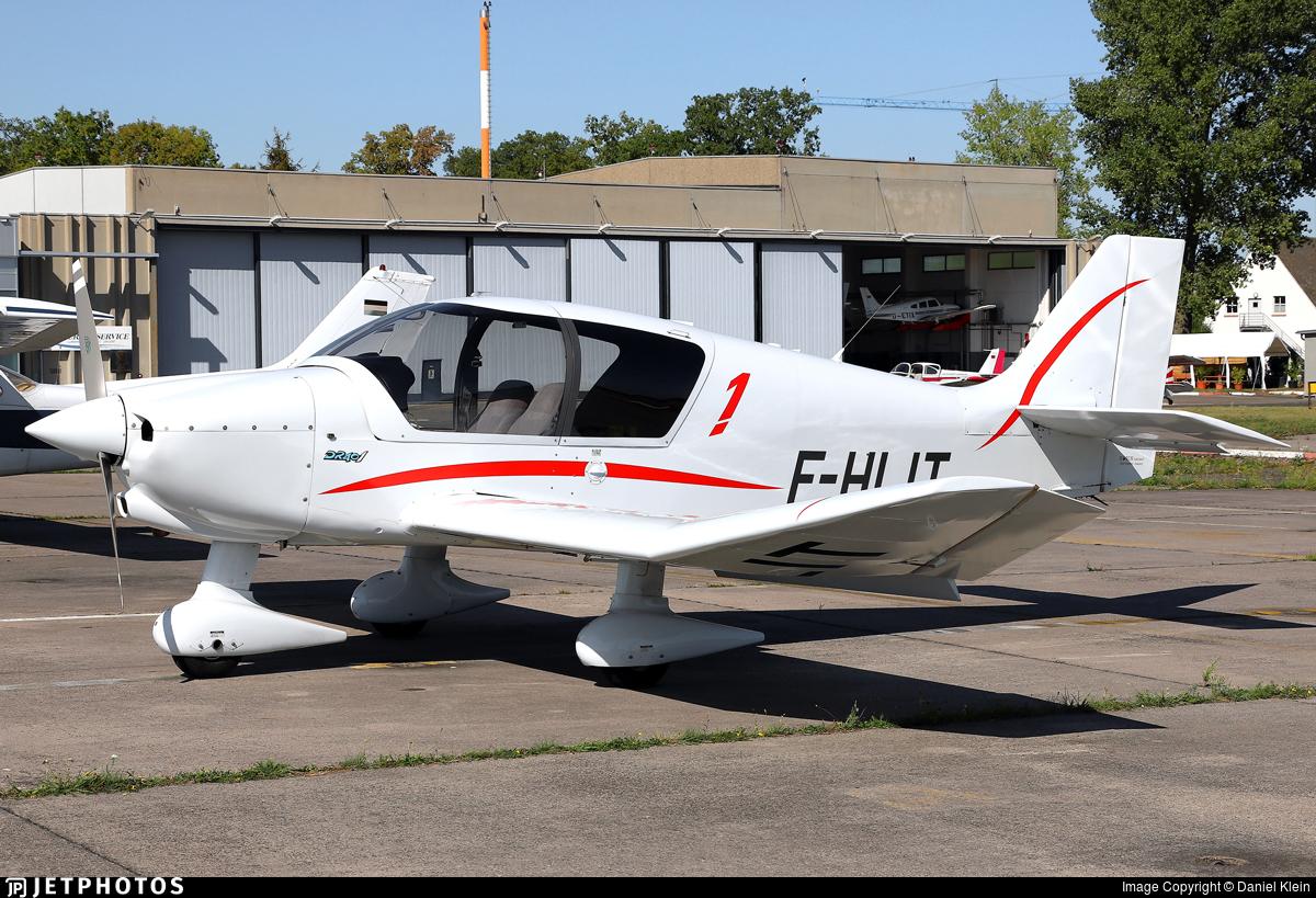 F-HLIT - Robin DR401/160 - Private