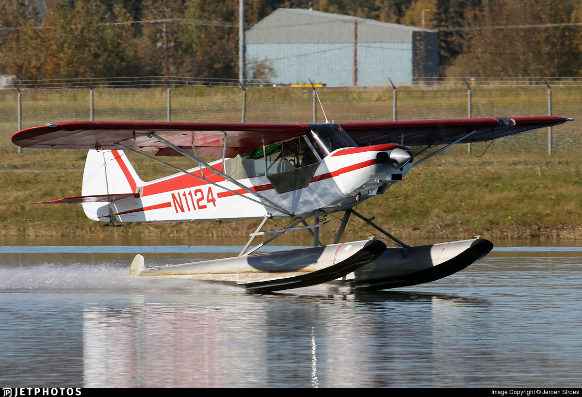 N1124 - Piper PA-18-135 Super Cub - Private