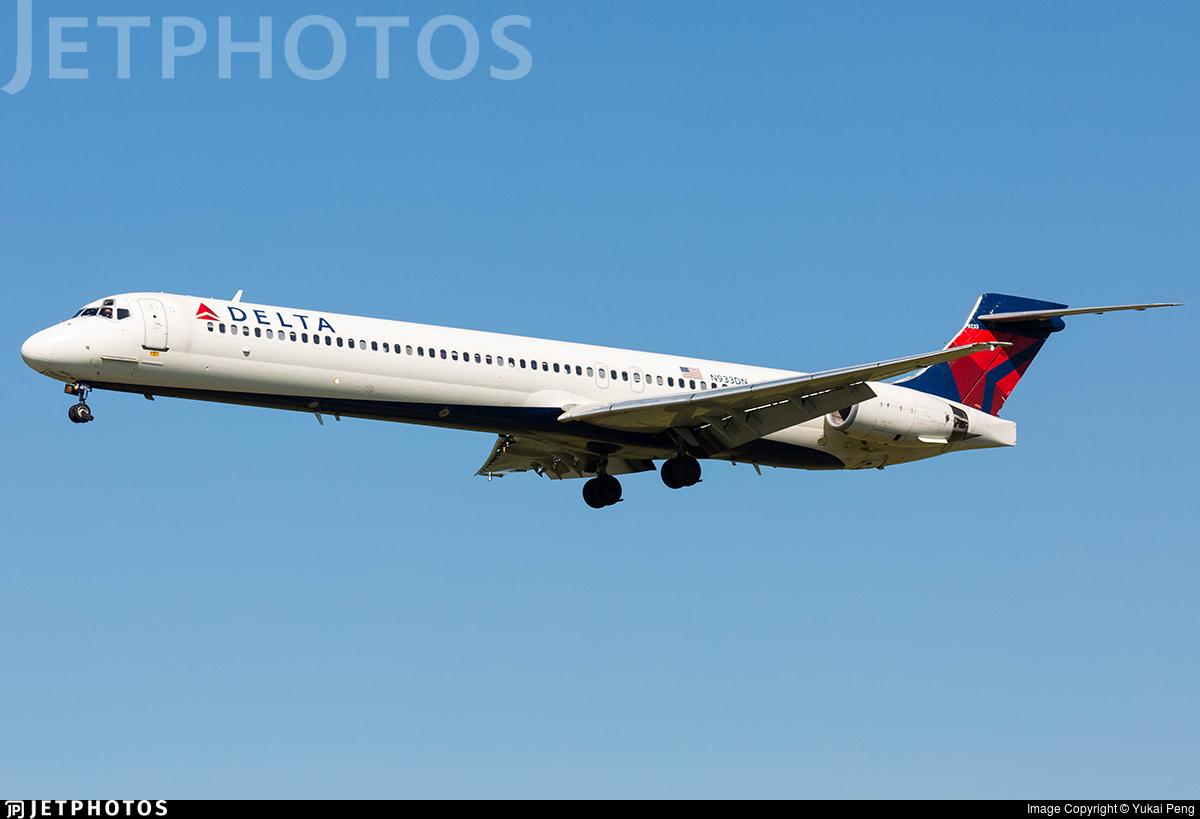 N933DN - McDonnell Douglas MD-90-30 - Delta Air Lines