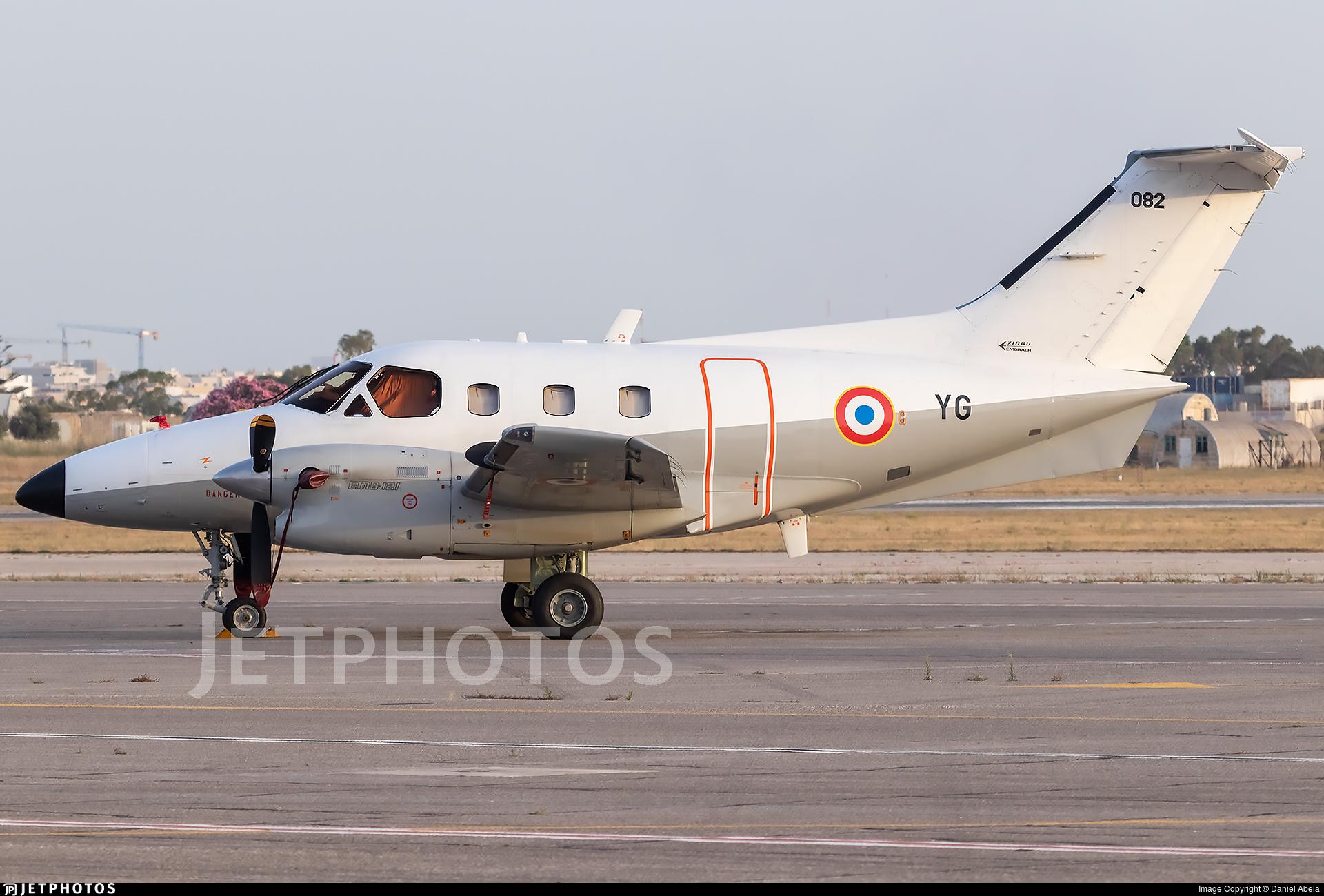 082 - Embraer EMB-121AA Xingú - France - Air Force