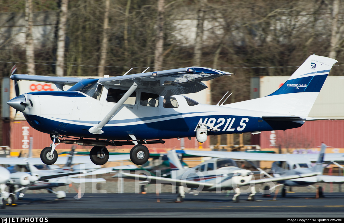 N921LS - Cessna T206H Turbo Stationair - Private