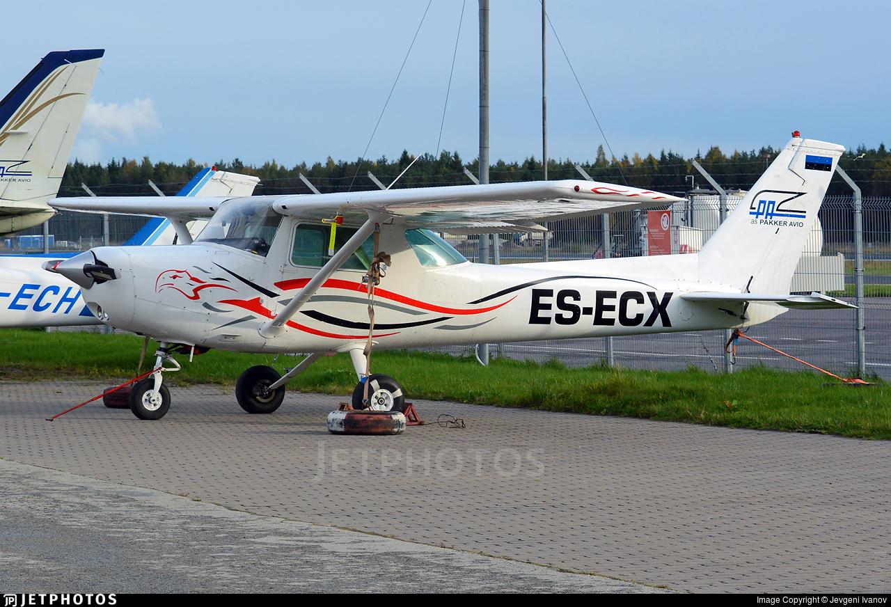 ES-ECX - Cessna 152 - Pakker Avio