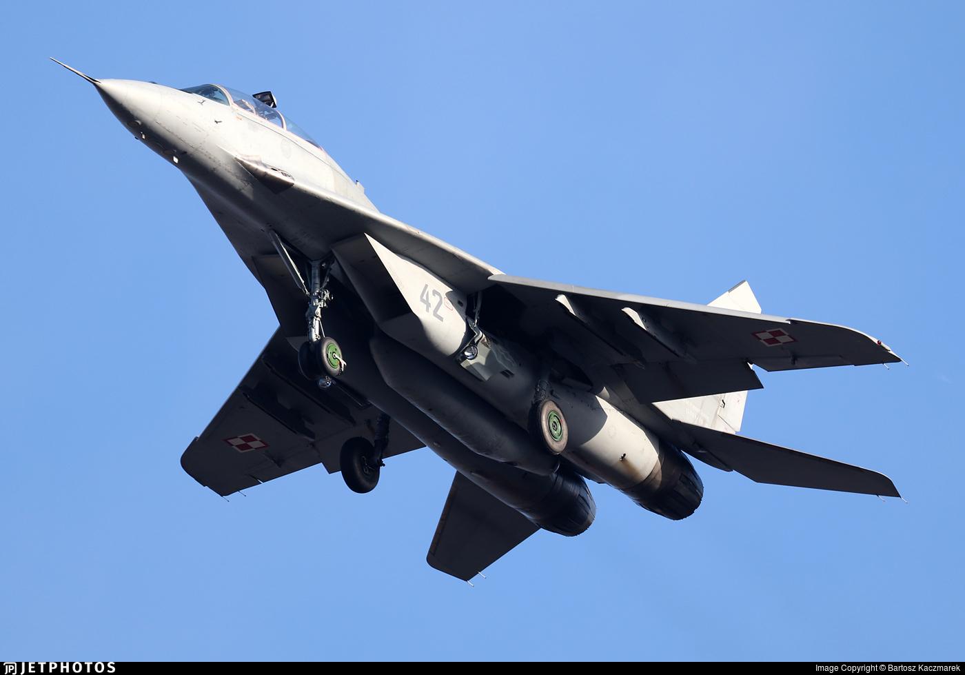 42 - Mikoyan-Gurevich MiG-29UB Fulcrum B - Poland - Air Force