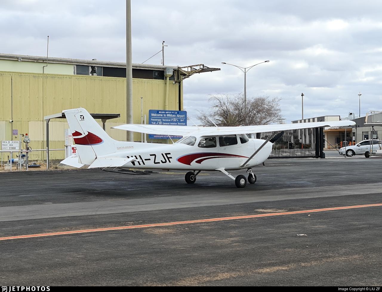 VH-ZJF - Cessna 172S Skyhawk SP - Aerodynamic Flight Academy (ADFA)