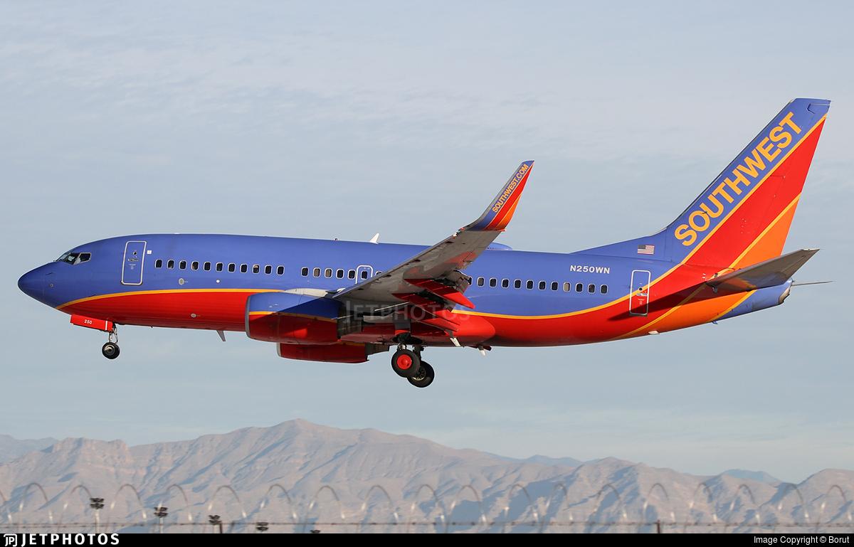 N250WN | Boeing 737-7H4 | Southwest Airlines | Borut ...