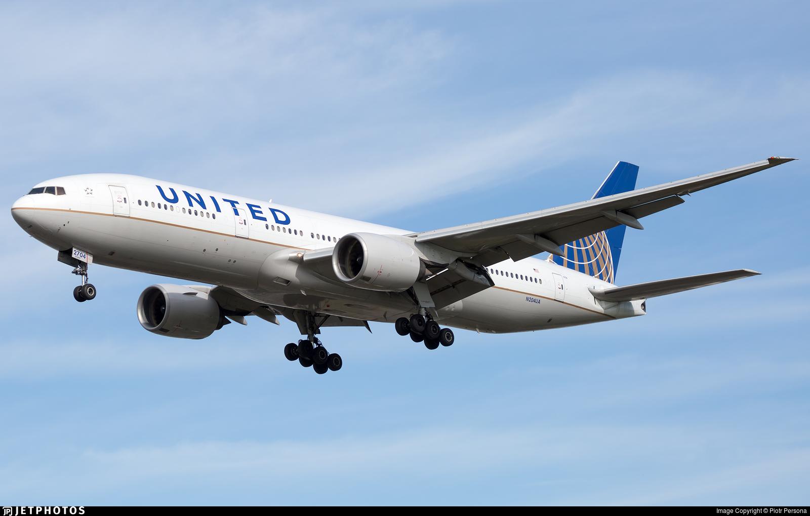 N204UA - Boeing 777-222(ER) - United Airlines