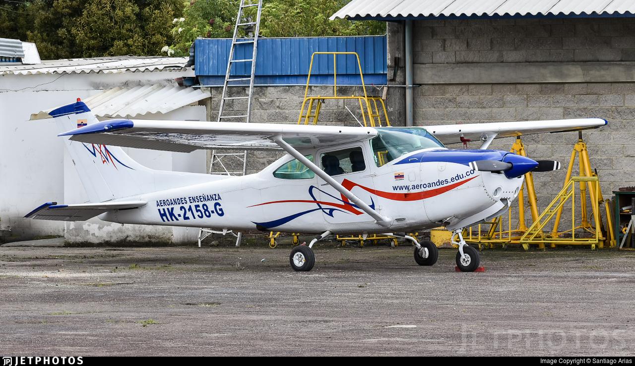 HK-2158-G - Cessna R182 Skylane RG - Aeroandes