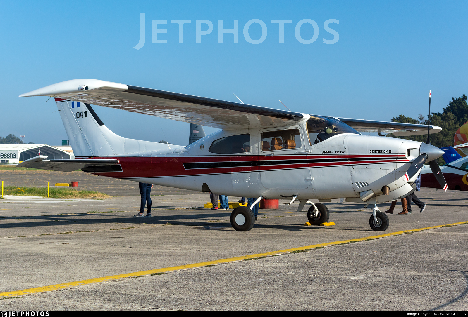 041 - Cessna T210R Turbo Centurion II - Guatemala - Air Force