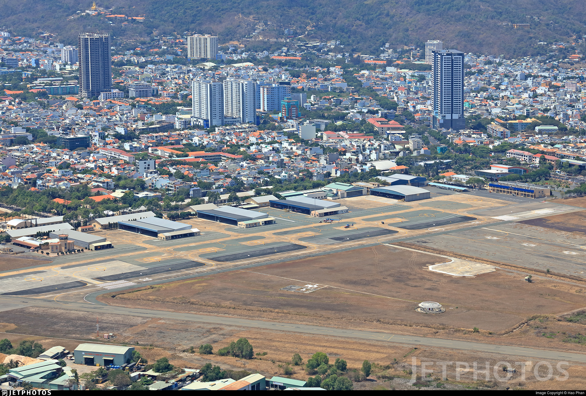VVVT - Airport - Airport Overview