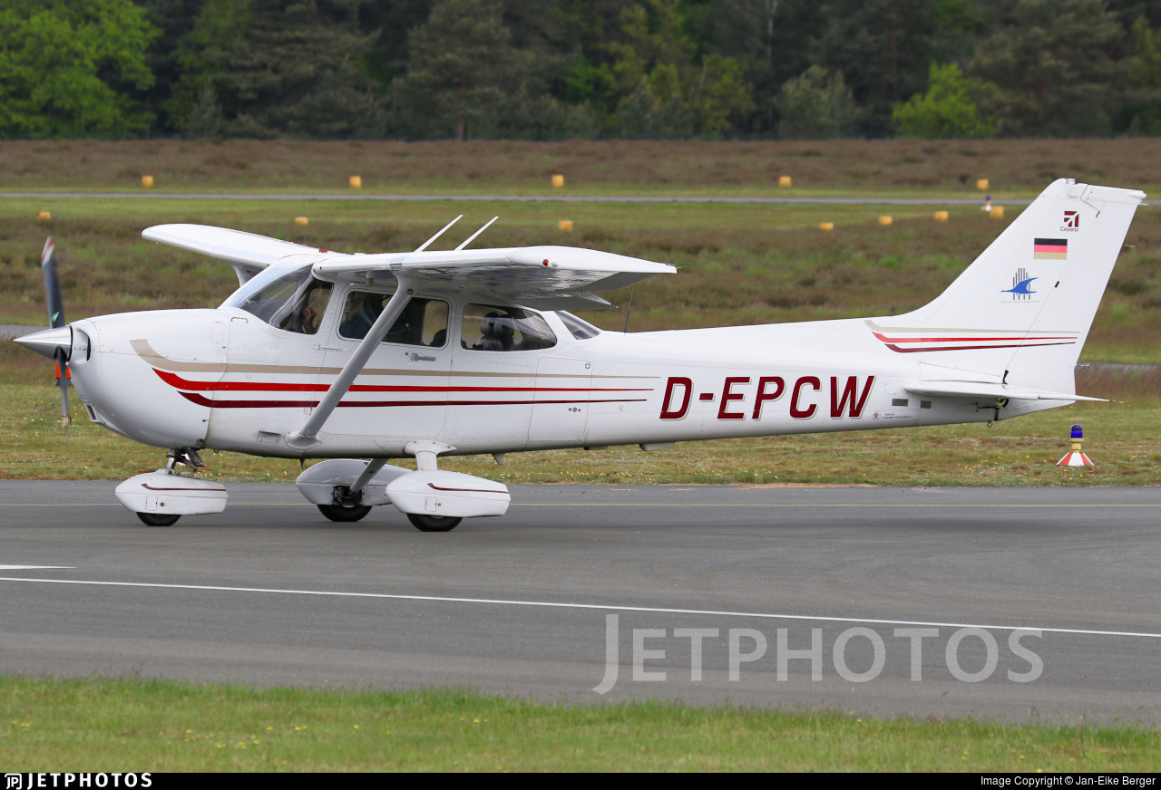 D-EPCW - Cessna 172S Skyhawk SP - Motorflug Münster