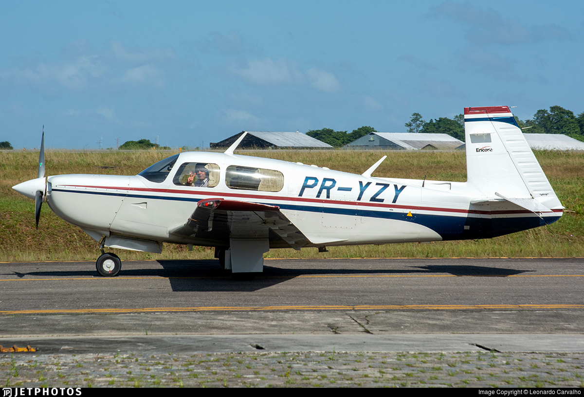 PR-YZY - Mooney M20K - Private