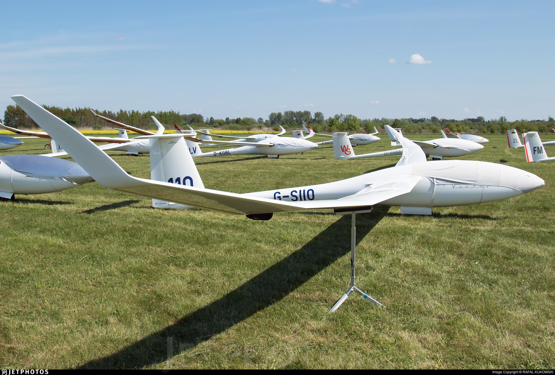 G-SIIO - Schempp-Hirth Ventus 3T - Private