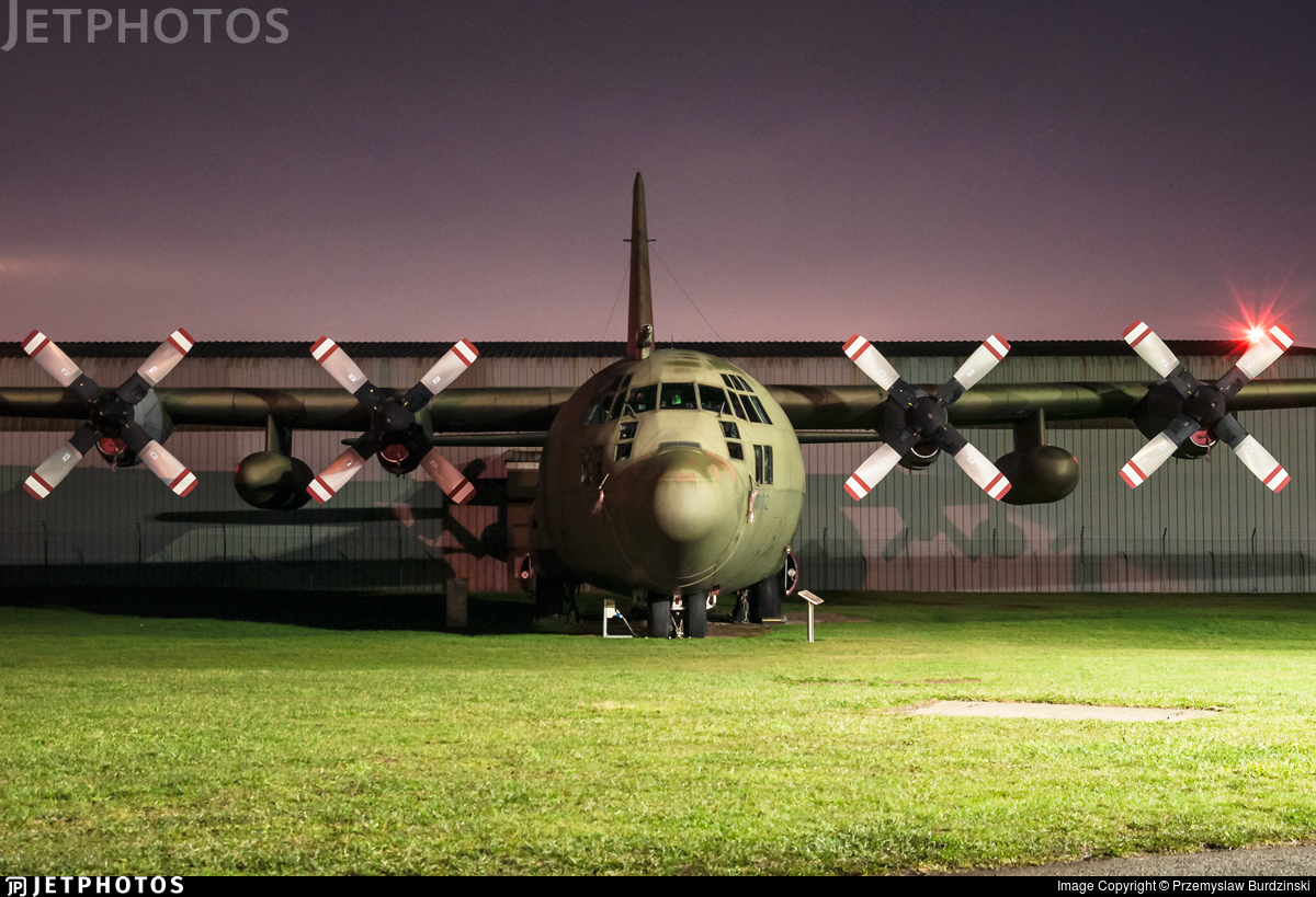XV202 - Lockheed Hercules C.3 - United Kingdom - Royal Air Force (RAF)