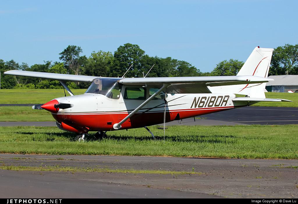 N6180R - Cessna 172RG Cutlass RG - Privilege Aero