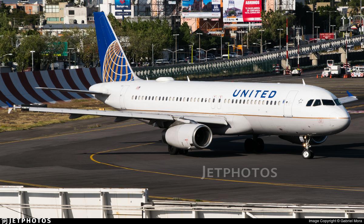 N482UA - Airbus A320-232 - United Airlines