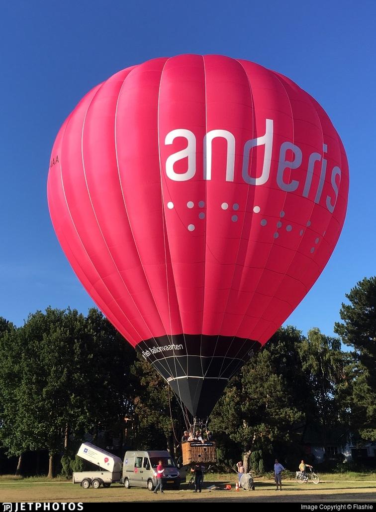 PH-AAA - Cameron Z-140 - Flash Ballooning