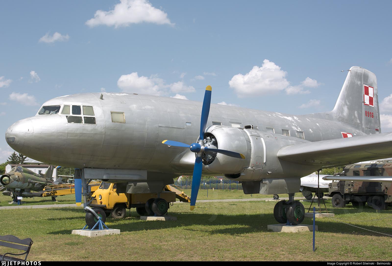 0916 - Ilyushin IL-14 - Poland - Air Force