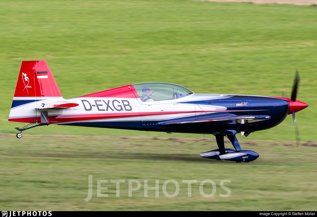 D-EXGB - Extra 330LX - Private