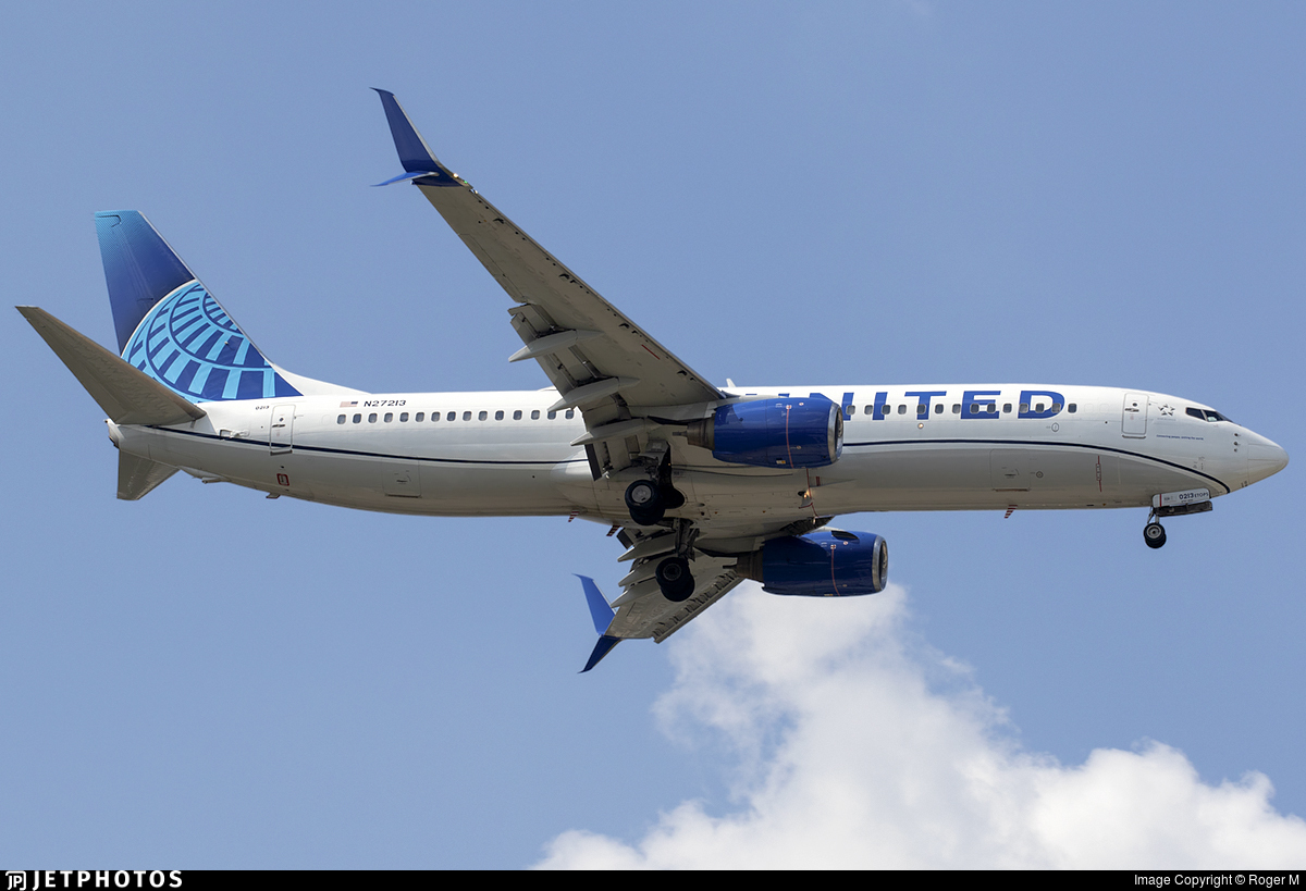 N27213 - Boeing 737-824 - United Airlines