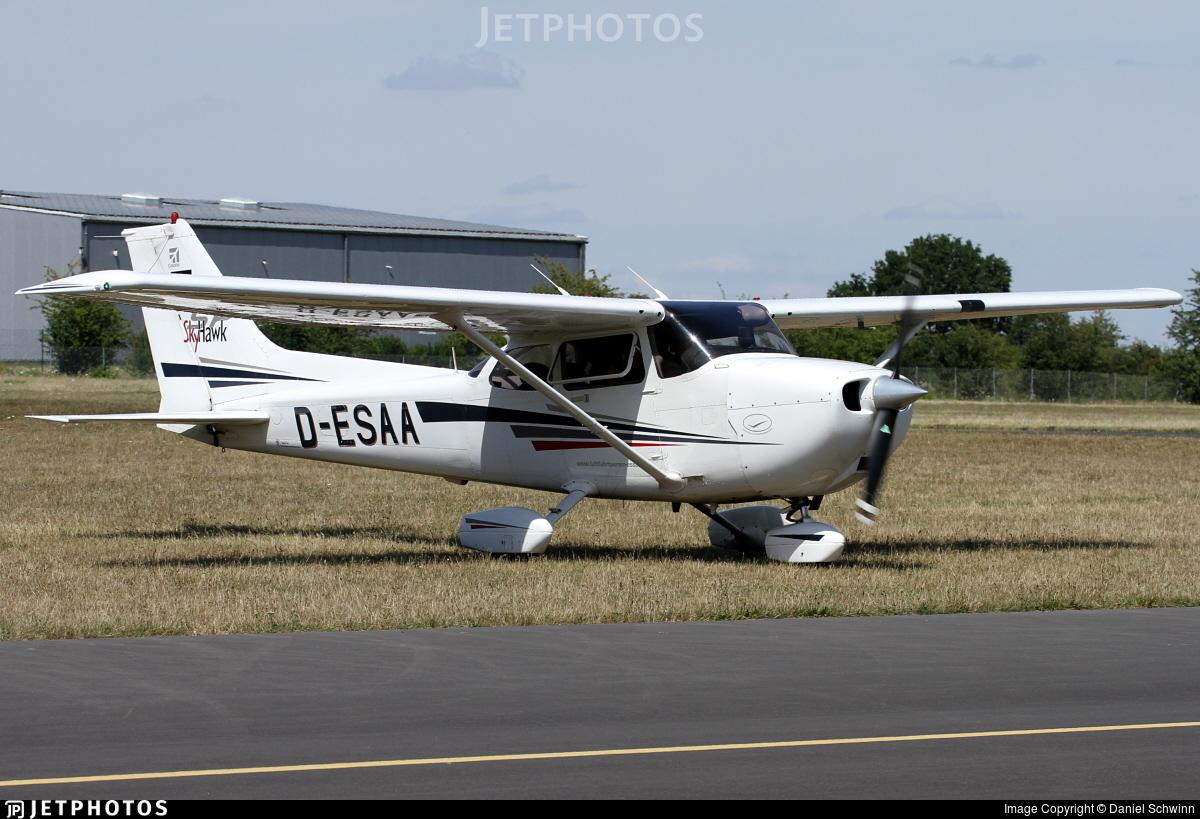D-ESAA - Cessna 172S Skyhawk SP - Private