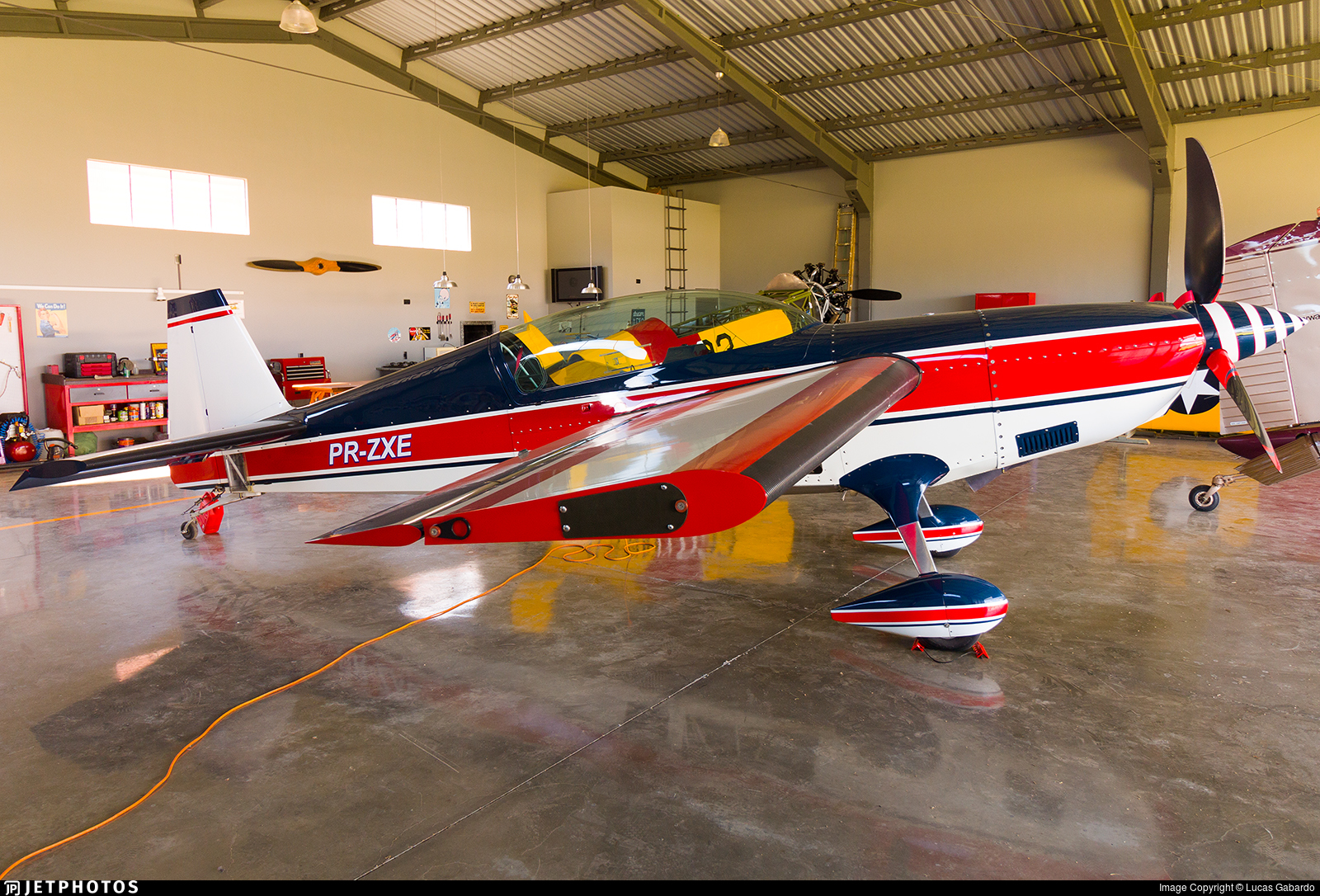 PR-ZXE - Extra 300 - Private