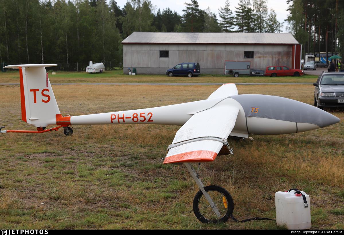 PH-852 - Schleicher ASW-19B - Private