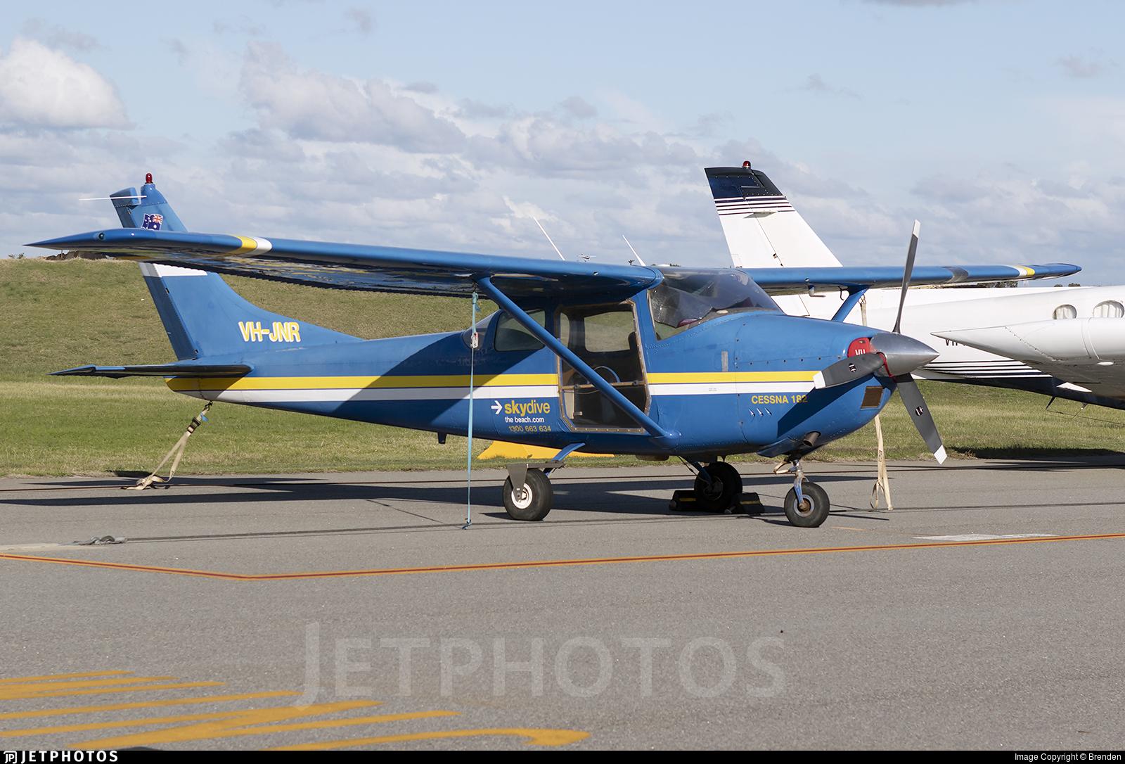 VH-JNR - Cessna 182E Skylane - Skydive the Beach Group