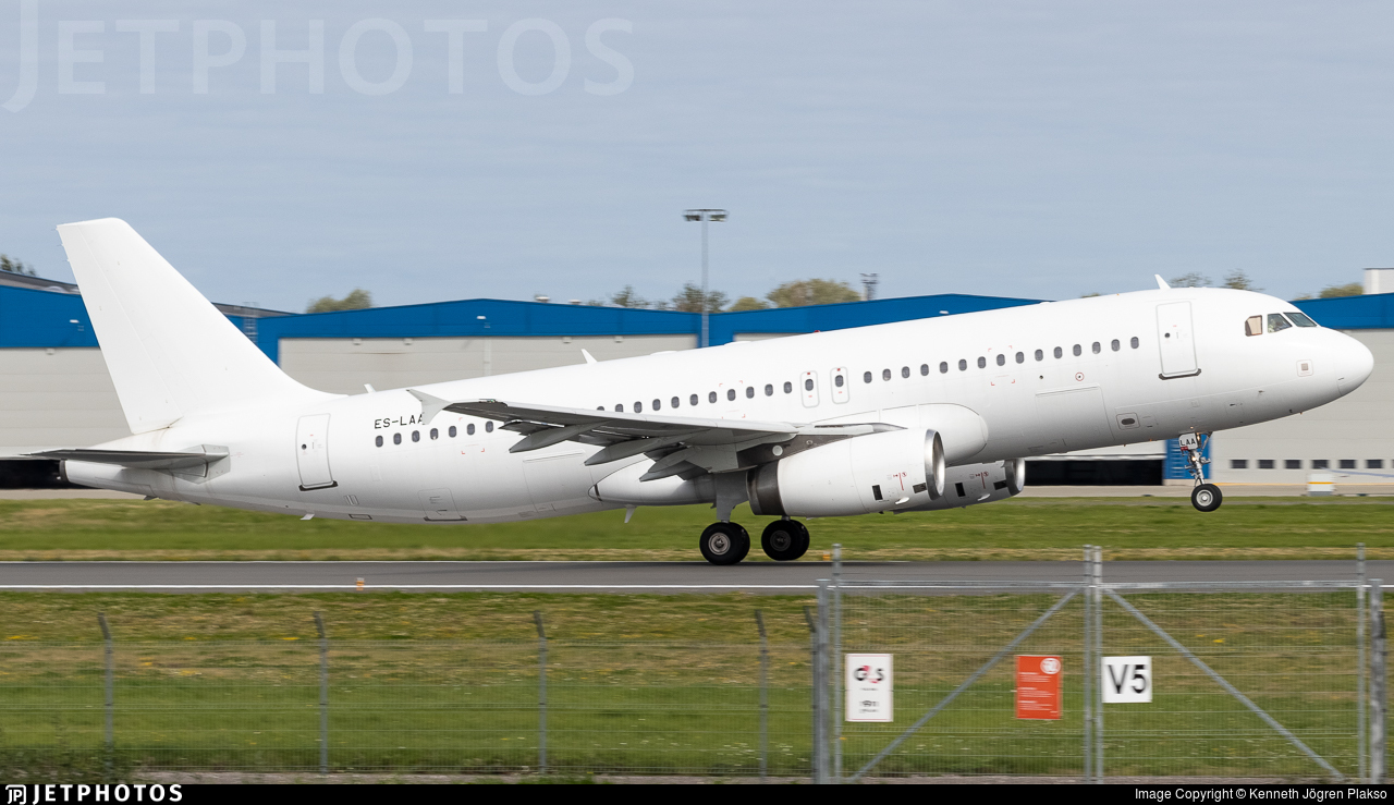 ES-LAA - Airbus A320-232 - Airest