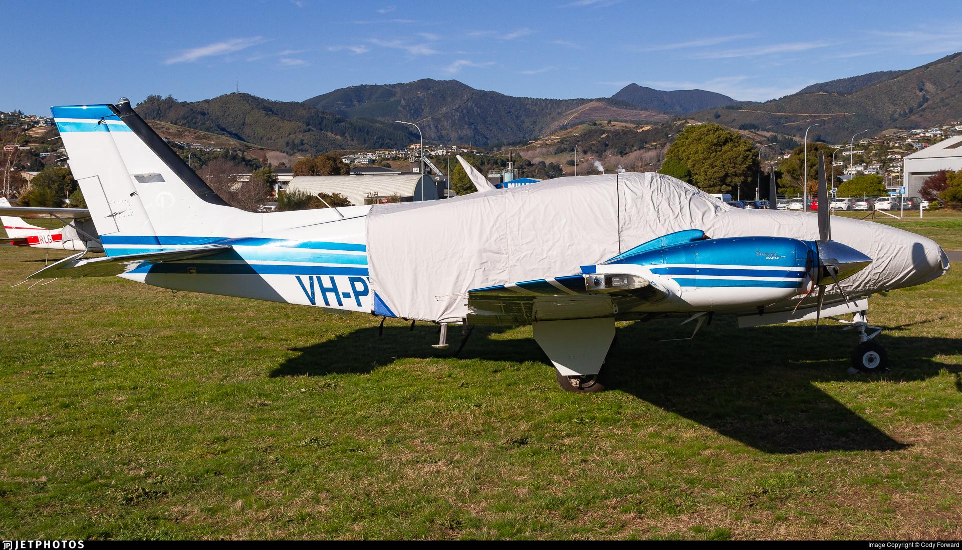 VH-PWP - Beechcraft G58 Baron - Private