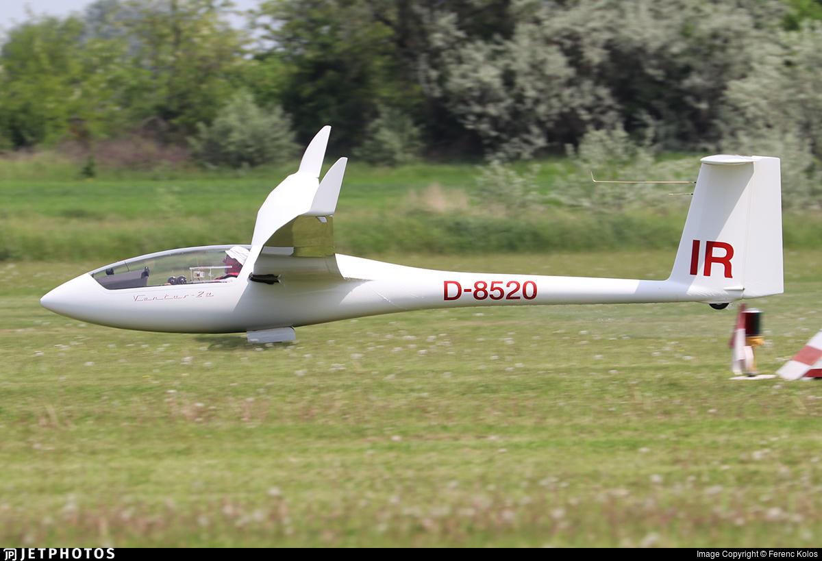 D-8520 - Schempp Hirth Ventus 2A - Private