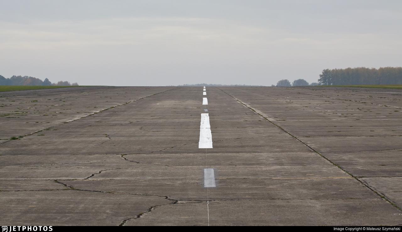 EPRU - Airport - Runway