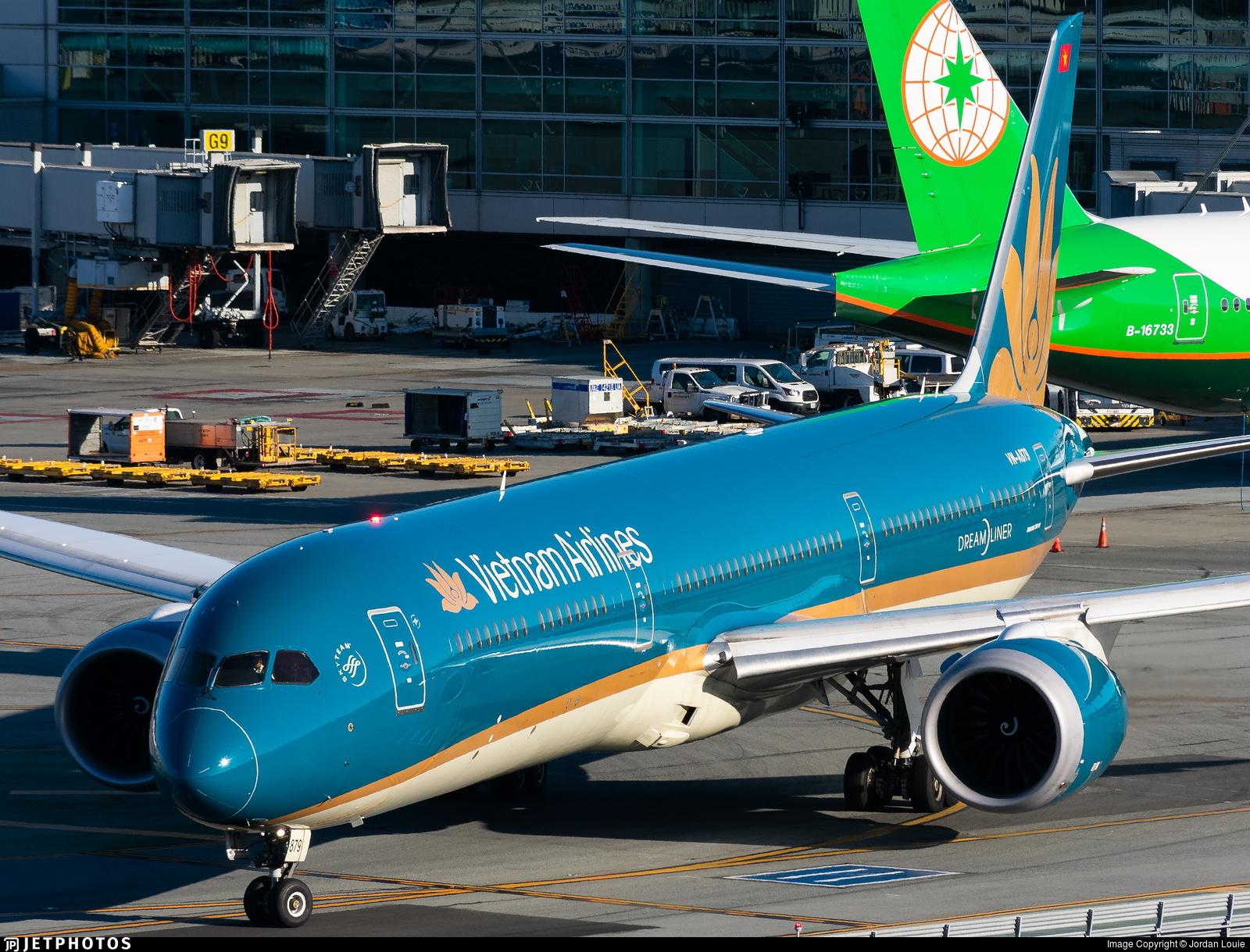 VN-A879 - Boeing 787-10 Dreamliner - Vietnam Airlines