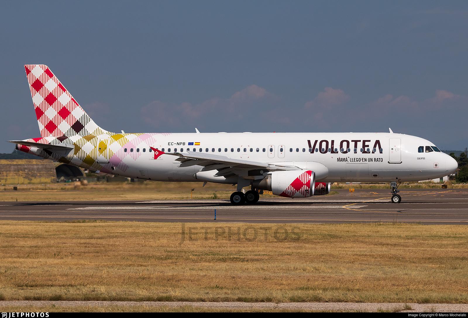 EC-NPB - Airbus A320-214 - Volotea