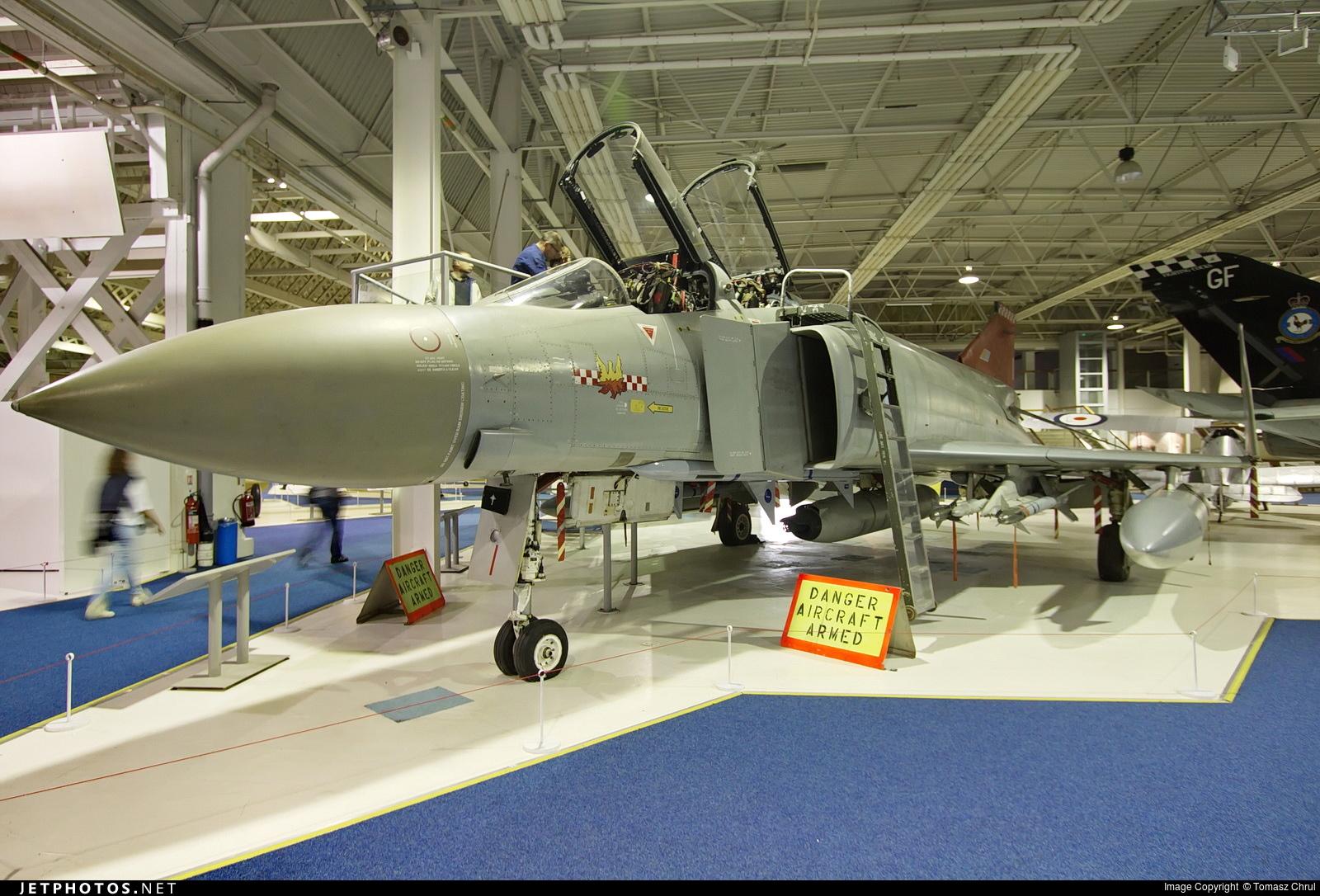 XV424 - McDonnell Douglas Phantom FGR.2 - United Kingdom - Royal Air Force (RAF)