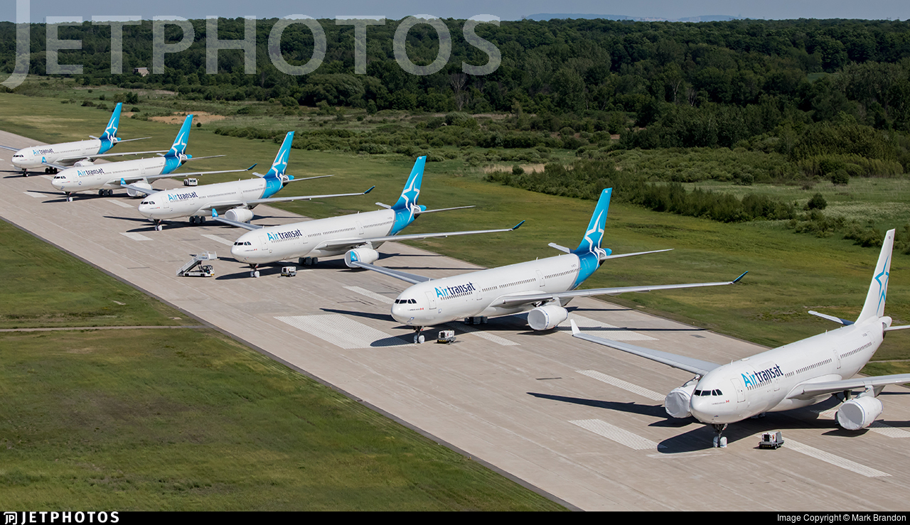 CYMX - Airport - Runway