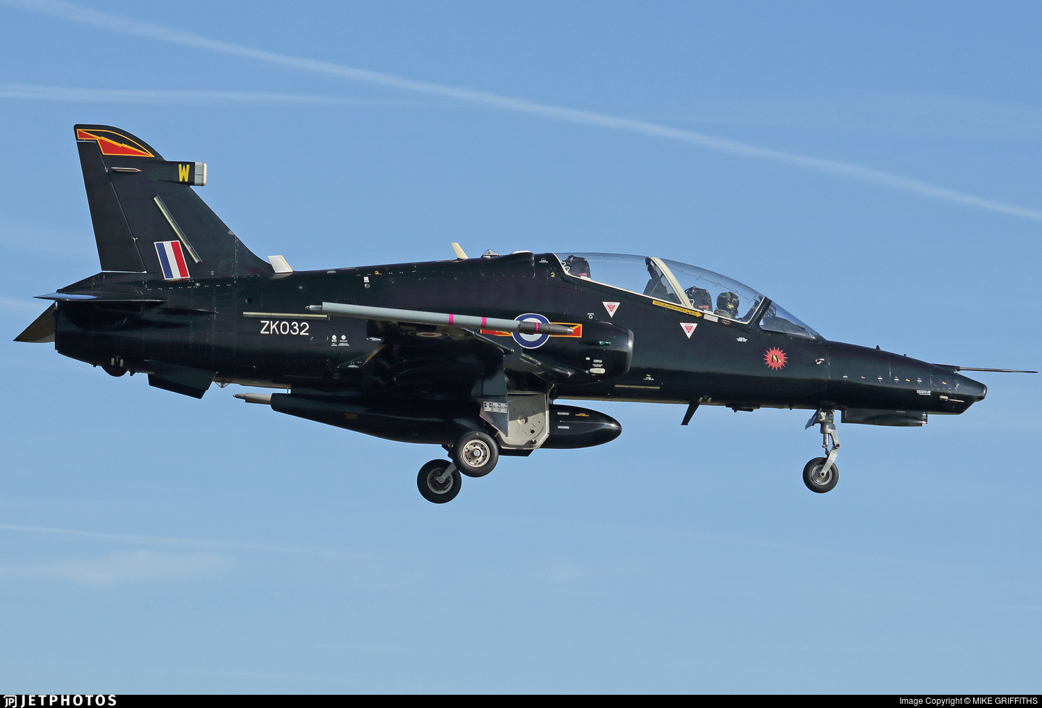ZK032 - British Aerospace Hawk T.2 - United Kingdom - Royal Air Force (RAF)