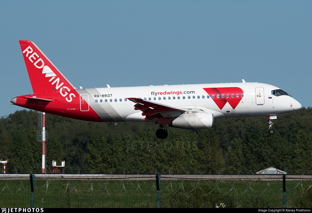 RA-89137 - Sukhoi Superjet 100-95B - Red Wings